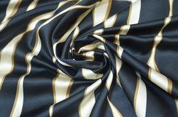 Атлас шелковый волны на черном