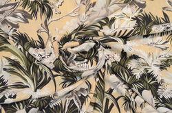 Креп плательный Цветы на бежевом фоне