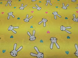 Зайцы на желтом