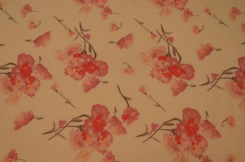 шифон набивной цветы на персиковом
