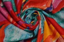 Сорочка набивная абстракция на красном